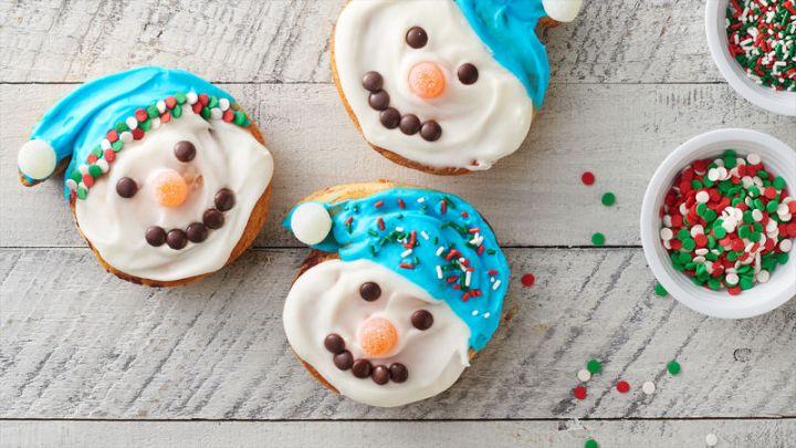 snowman cinnamon rolls.jpg