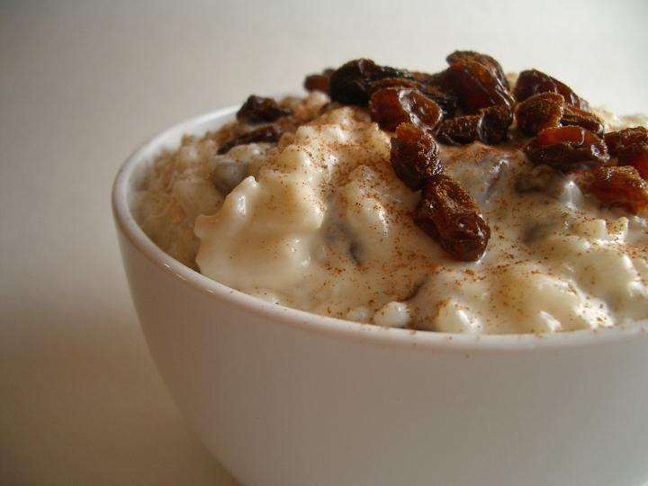 Baked-rum-raisin-rice-pudding