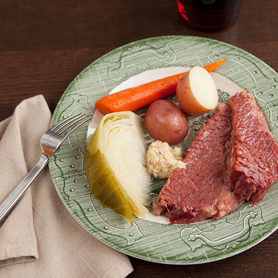 HD-201303-r-Slow-Cooker-Corned-Beef-with-Cabbage-Carrots-and-Potatoes